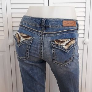 Seven 7 Boot Cut Size 6 Embroidered Flap Jeans